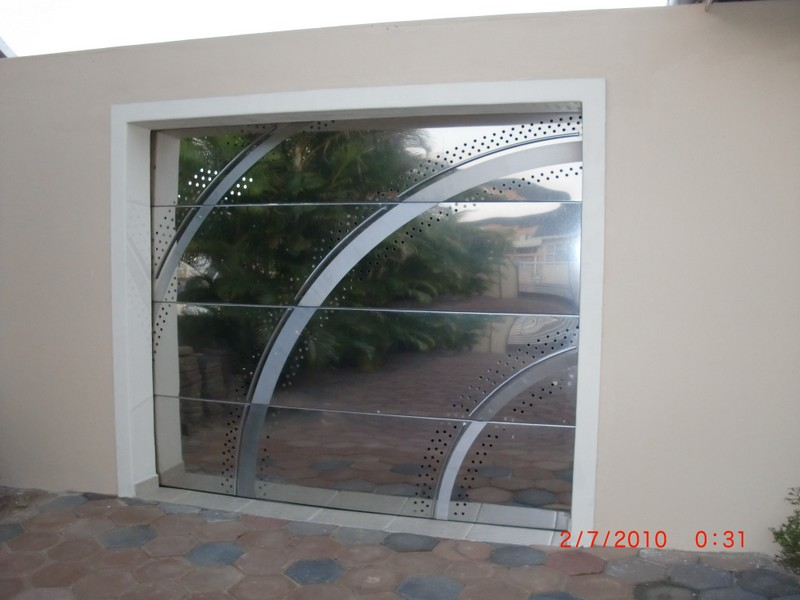 GARAGE DOORS - PlatinumSS Tel 031 577 5801 Cell083 555 3330 Share call  0861 111 619 12 Peter Road Springfield Park Durban : doors durban - pezcame.com